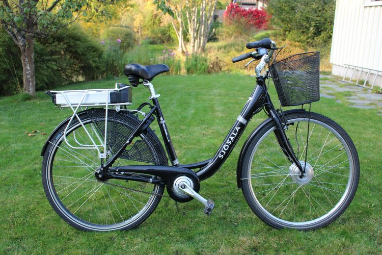 Kan iemand die oudjes leren rijden op een elektrische fiets?